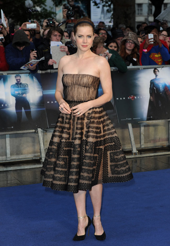 amy adams valentino1 Amy Adams Dons Valentino at The Man of Steel London Premiere