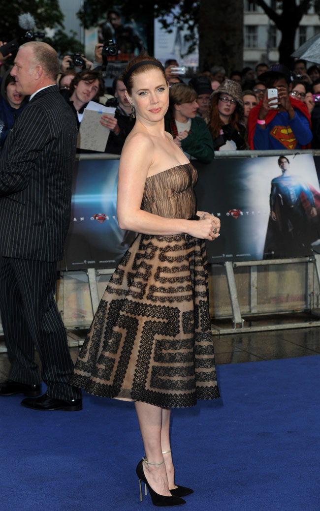 amy adams valentino2 Amy Adams Dons Valentino at The Man of Steel London Premiere