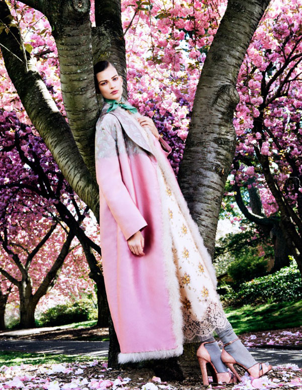 bette franke pink2 Bette Franke is Pretty in Pink for Vogue Japan August 2013 by Sharif Hamza