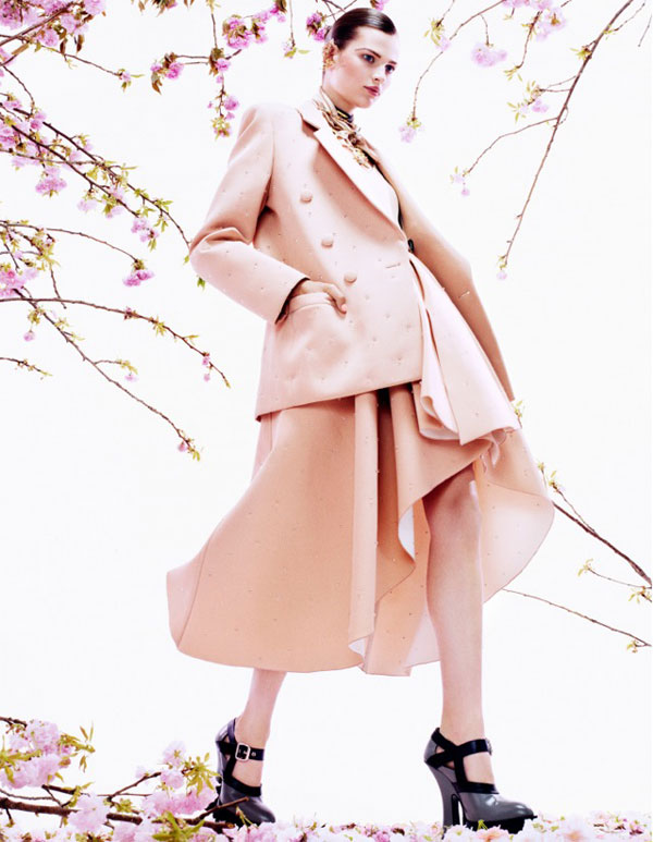 bette franke pink3 Bette Franke is Pretty in Pink for Vogue Japan August 2013 by Sharif Hamza