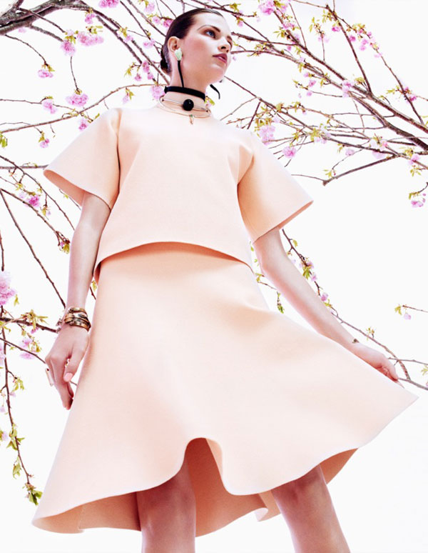 bette franke pink7 Bette Franke is Pretty in Pink for Vogue Japan August 2013 by Sharif Hamza