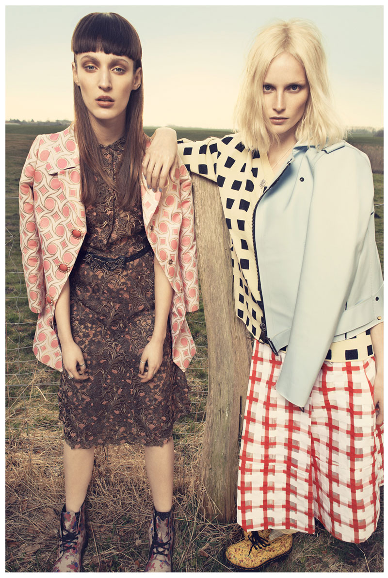 come as you are2 Franzi Mueller & Katrin Thormann Model the New Grunge for Gala by Alexx and Anton