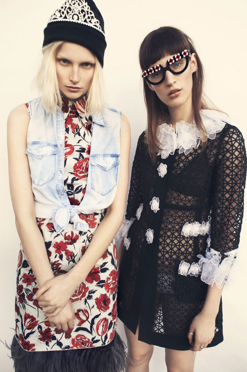 come as you are8 797x1200 Franzi Mueller & Katrin Thormann Model the New Grunge for Gala by Alexx and Anton