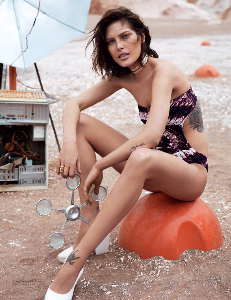 hm fantastic voyage9 Catherine McNeil Takes a Fantastic Voyage for H&M Magazine Summer 2013