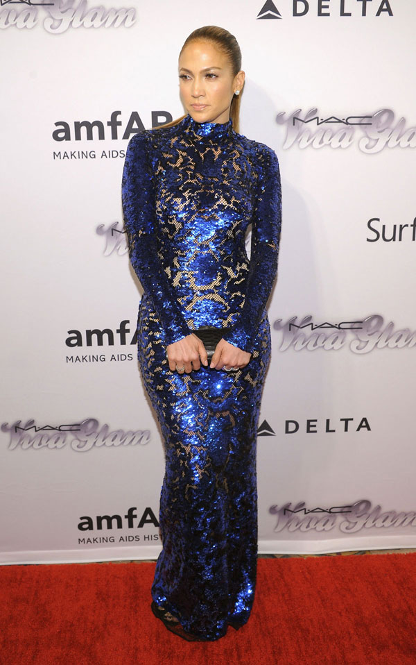 jennifer lopez tom ford2 Jennifer Lopez Wears Tom Ford at the 4th Annual amfAR Inspiration Gala