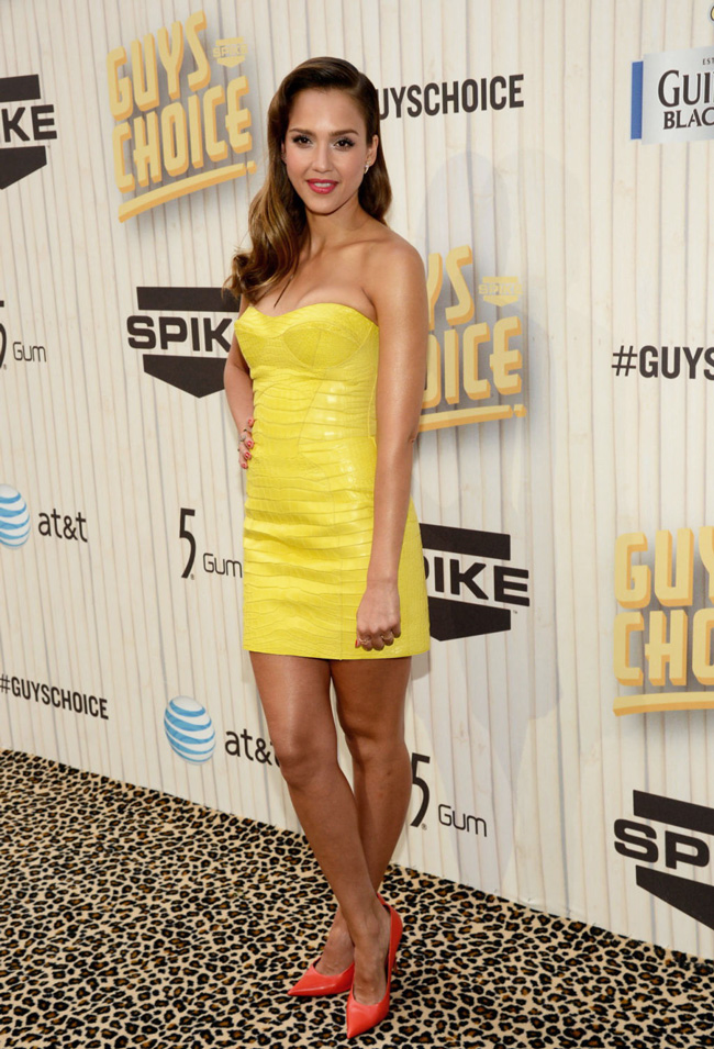 jessica alba versace3 Jessica Alba Wears Atelier Versace at Spike TV's Guys Choice Awards 2013