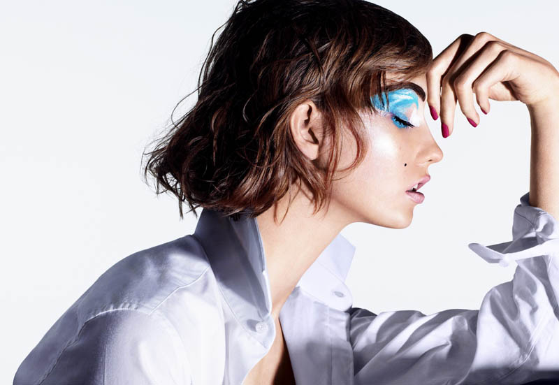 Karlie Kloss Models Summer Beauty for The Sunday Times Style