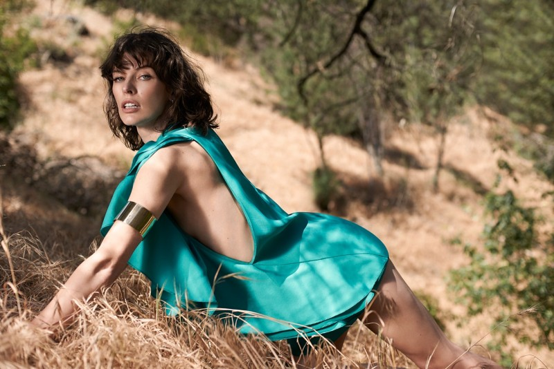 milla jovovich elle ukraine4 Milla Jovovich Poses for Eric Guillemain in Elle Ukraine July 2013