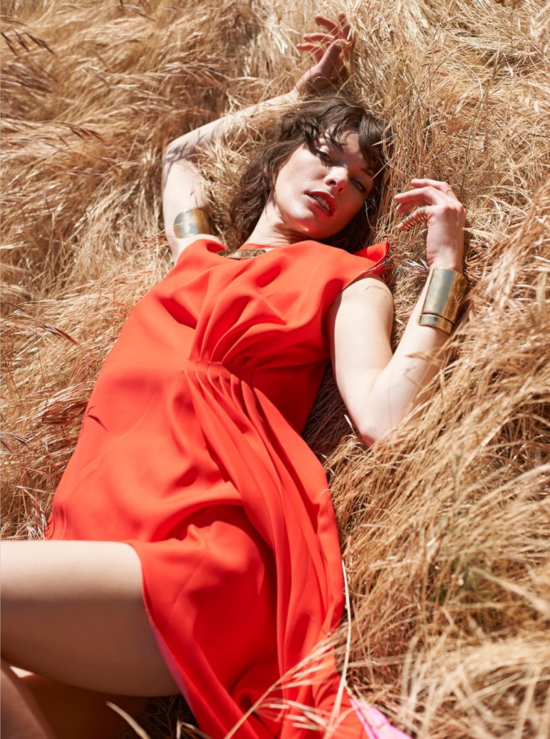 milla jovovich elle ukraine5 Milla Jovovich Poses for Eric Guillemain in Elle Ukraine July 2013