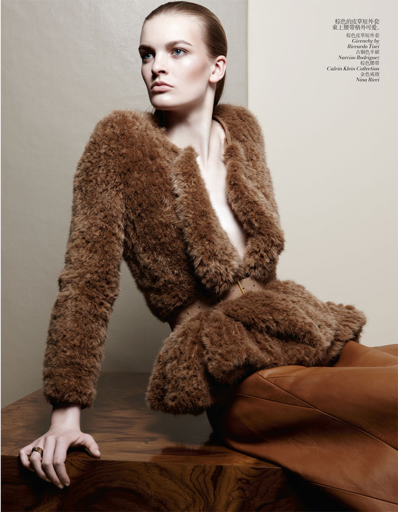second skin shoot3 Juliane Gruner Sports Sleek Style for Amy Troost in Vogue China July 2013