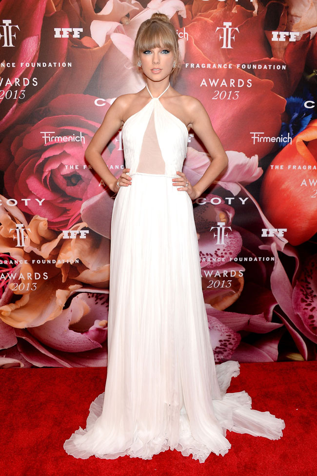 taylor swift pucci2 Taylor Swift Wears Emilio Pucci at the 2013 FiFi Awards