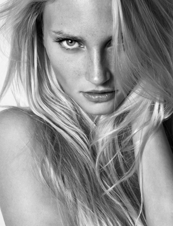 Wiener Models | Belinda Hirt by George Livieratos