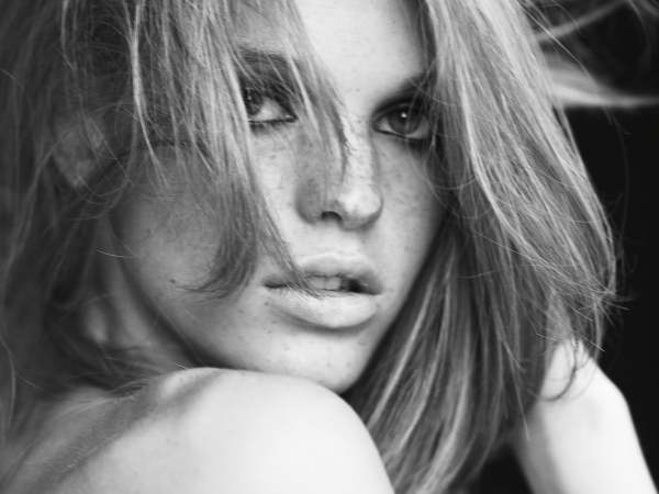 Morning Beauty | Erin Heatherton by Guy Aroch