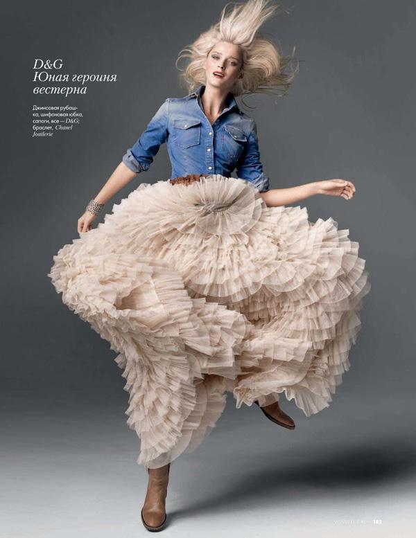 Elle Russia February | Carmen Kass by Marcin Tyszka