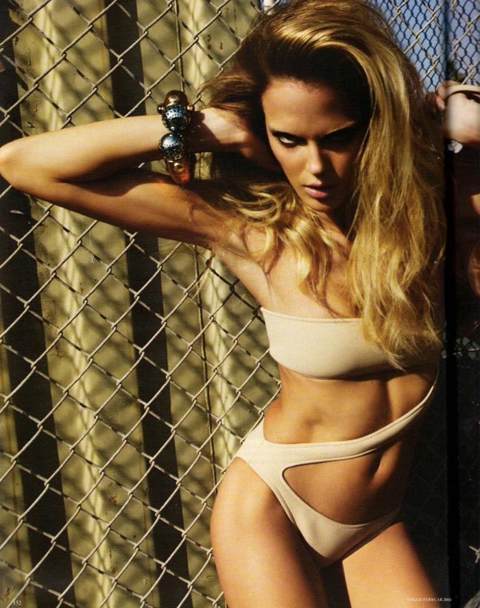 Vogue Germany | Shannan Click by Knoepfel & Indlekofer