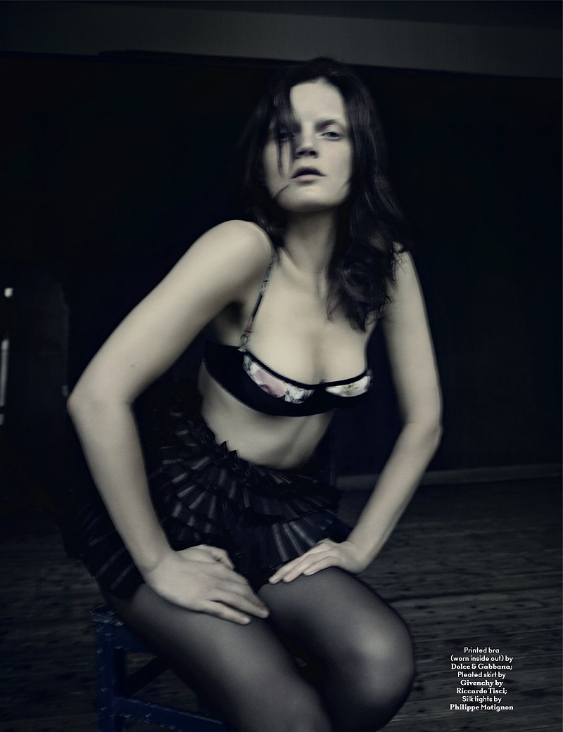AnOther Spring   Guinevere van Seenus by Paolo Roversi