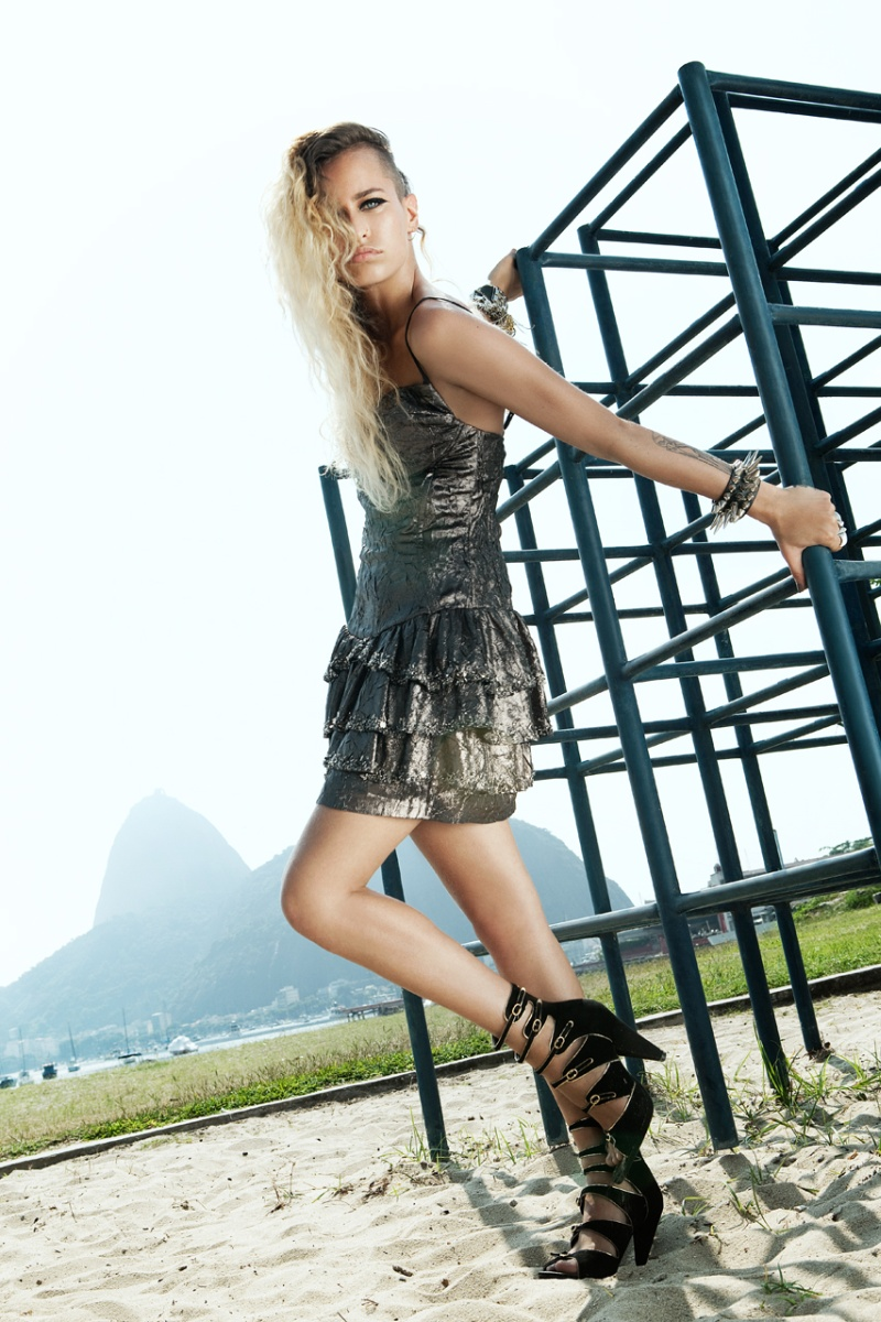 Alice Dellal by Fabio Bartelt   Vogue Brazil March 2010