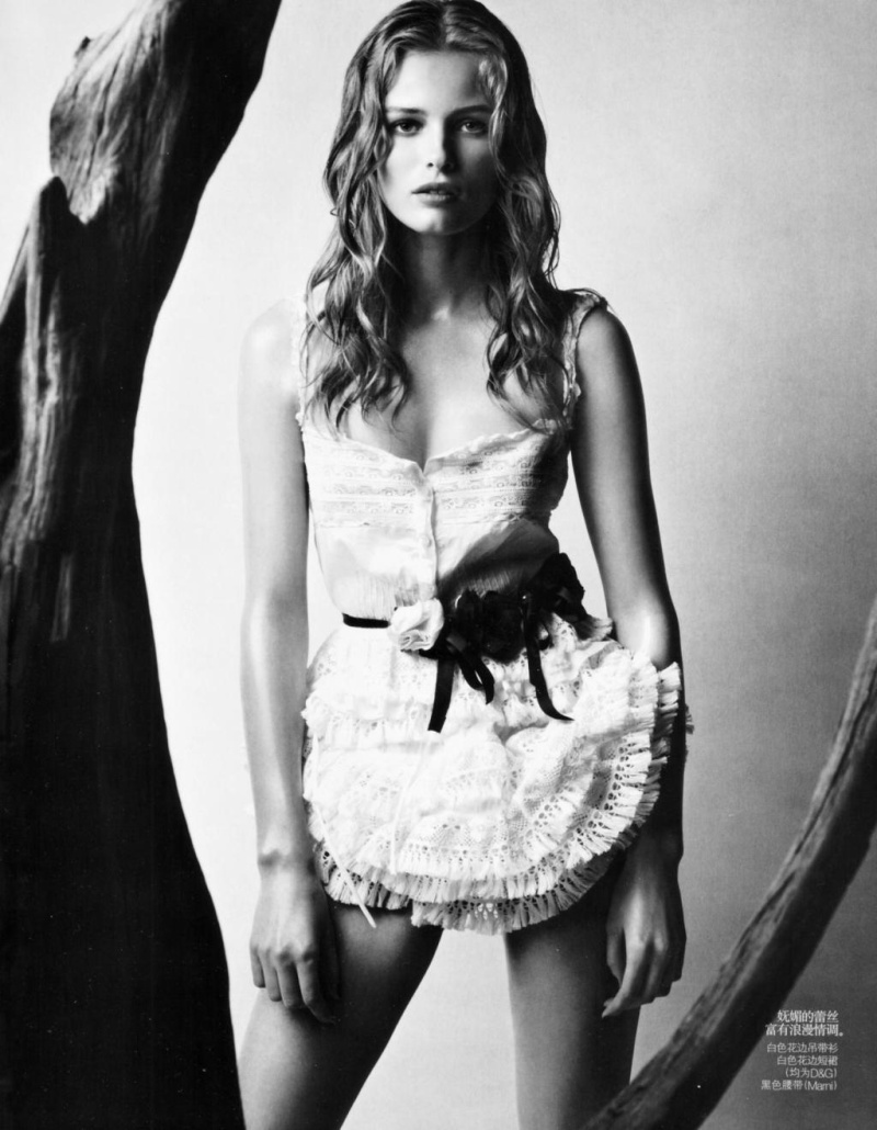 Edita Vilkeviciute by Patrick Demarchelier | Vogue China April 2010