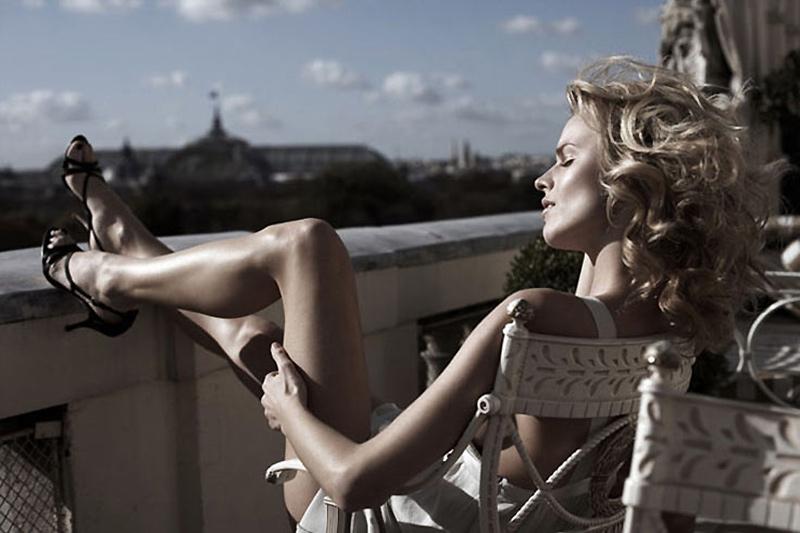 Morning Beauty | Eva Herzigova by Jannis Tsipoulanis