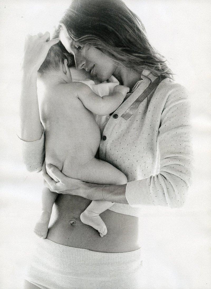 Gisele Bundchen by Patrick Demarchelier | Vogue US April 2010