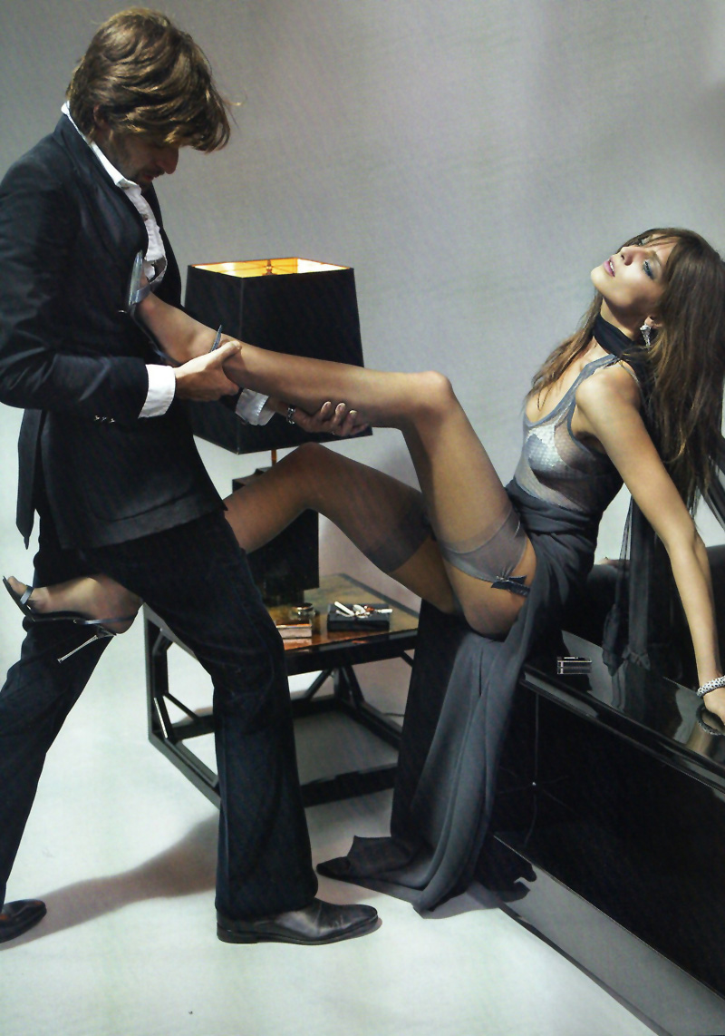 Daria Werbowy by Mario Testino in La Decadanse | Vogue Paris May 2010