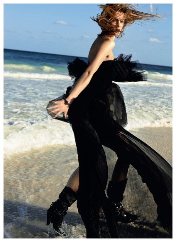 Marlena Szoka by Daniel Gabbay in Black Summer | Marie Claire Italia
