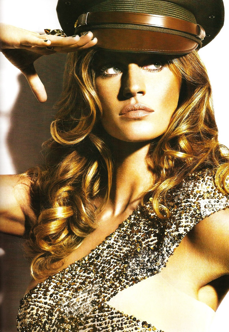 Gisele Bundchen by Nino Muñoz for Vogue Mexico May 2010
