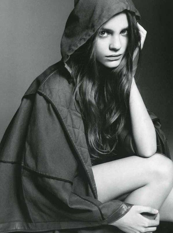 Regina Feoktistova by Terry Tsilois in The Clash | Muse Spring 2010