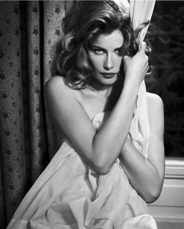Morning Beauty | Laetitia Casta by Vincent Peters