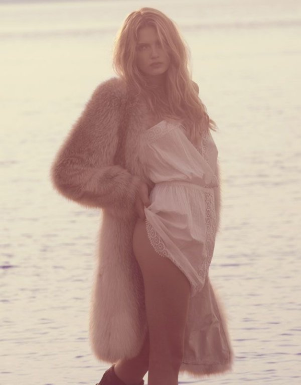 Morning Beauty | Lily Donaldson by Camilla Akrans