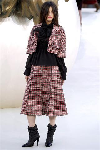 Chanel   Paris Haute Couture Fall 2010