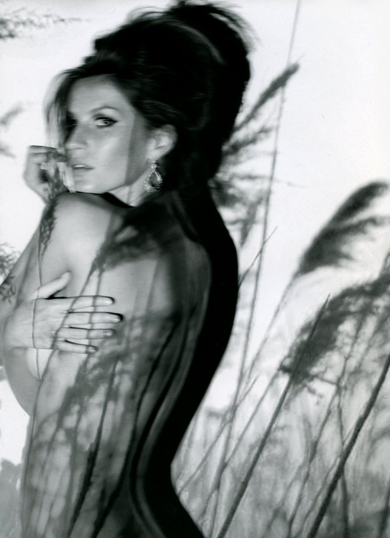 Gisele Bundchen for Muse Summer 2010 by Nino Muñoz