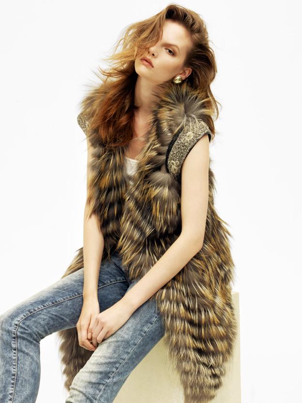 Sara Blomqvist by John Lindquist for Vogue Turkey August 2010