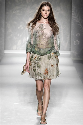 Alberta Ferretti Spring 2011 | Milan Fashion Week