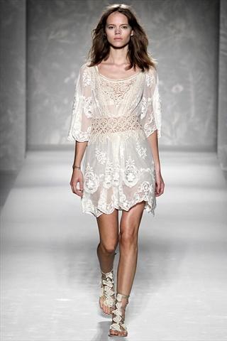 Alberta Ferretti Spring 2011 | Milan Fashion Week