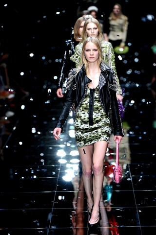 Burberry Spring 2011 | London Fashion Week
