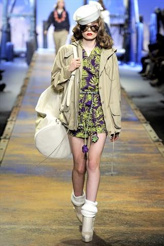 Christian Dior Spring 2011   Paris Fashion Week