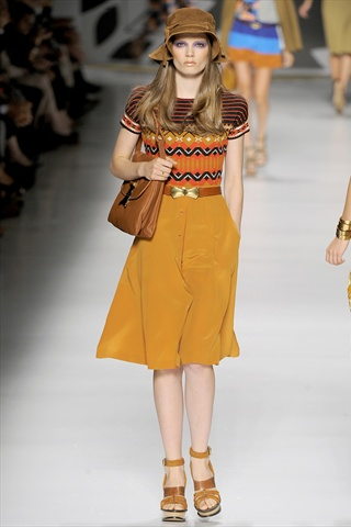 Etro Spring 2011 | Milan Fashion Week