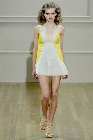 Julien MacDonald Spring 2011 | London Fashion Week