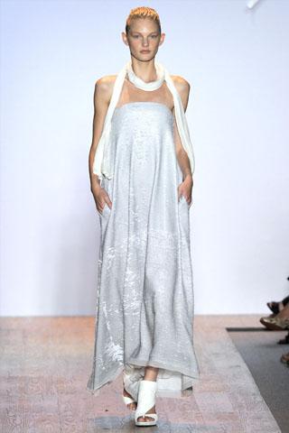 Max Azria Spring 2011 | New York Fashion Week