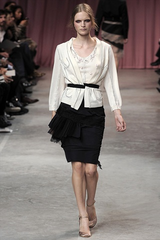 Nina Ricci Spring 2011 | Paris Fashion Week