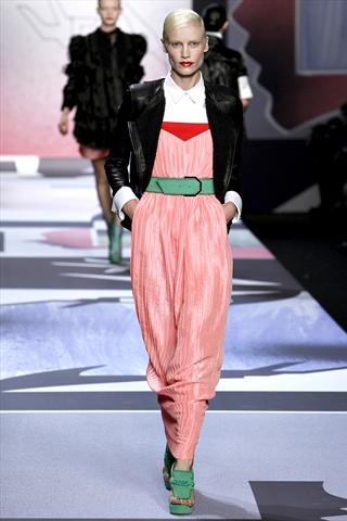 Viktor & Rolf Spring 2011 | Paris Fashion Week