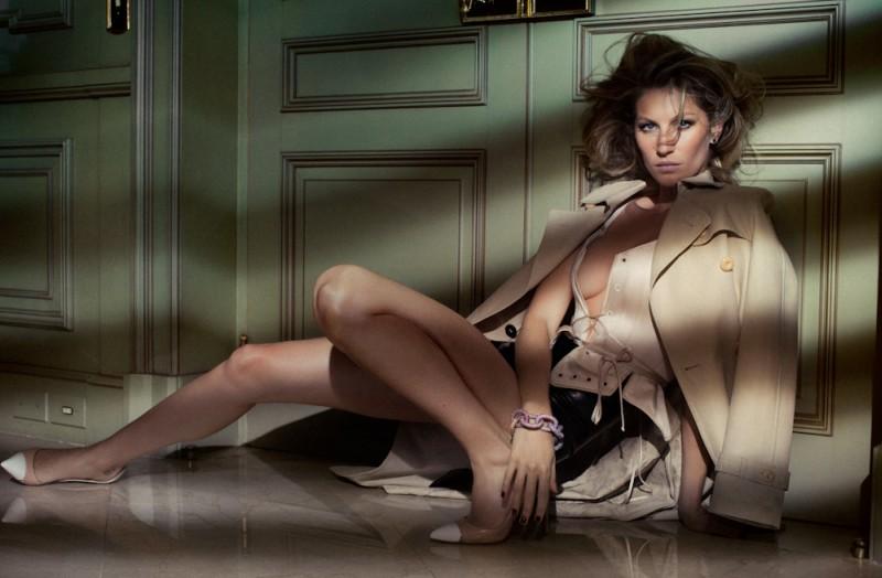 Gisele Bundchen by Jacques Dequeker for Vogue Brazil October 2010