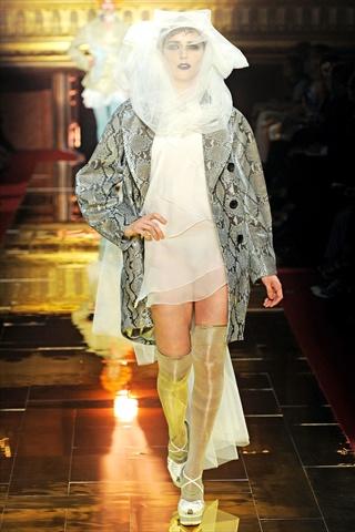 John Galliano Spring 2011   Paris Fashion Week