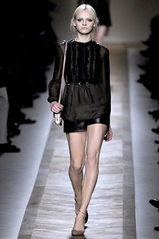 Valentino Spring 2011   Paris Fashion Week
