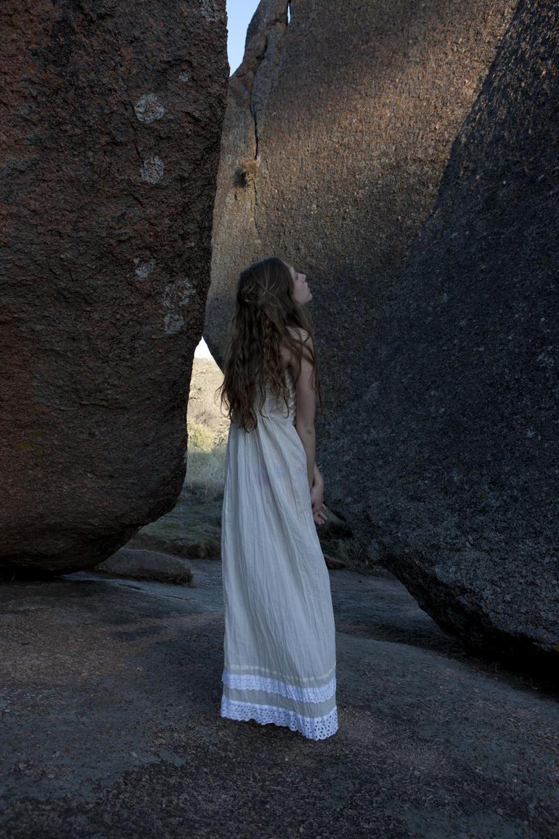 Scarlett Davis by Molly Dickson in La Roca
