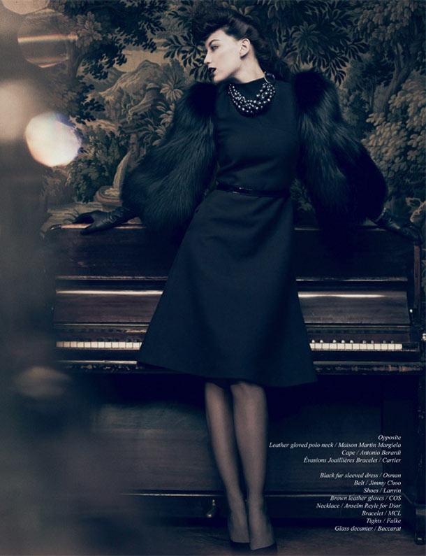 Daisy Lowe by Yuval Hen for Schön! #15