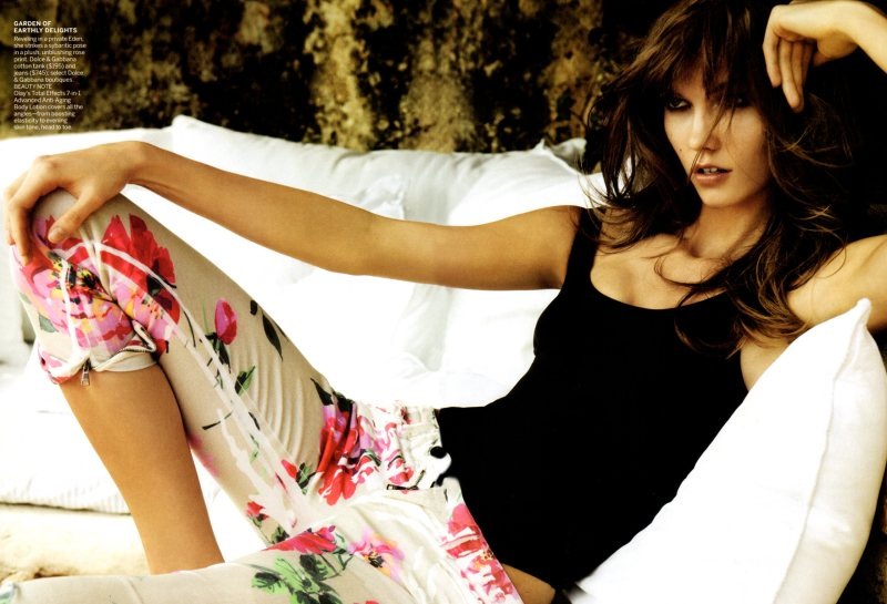 Karlie Kloss by Mario Testino for Vogue US