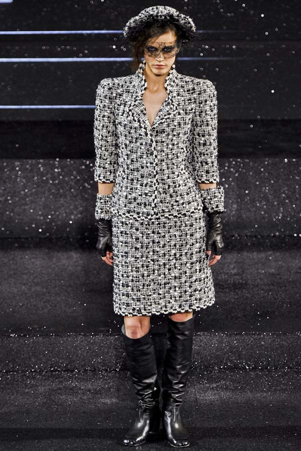 Chanel Fall 2011 Couture   Paris Haute Couture