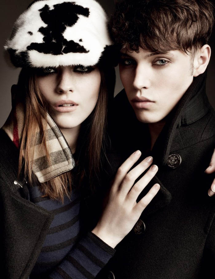 Burberry Fall 2011 Campaign | Amber Anderson by Mario Testino